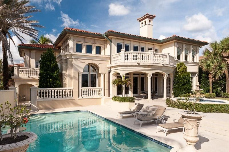 Oceanfront Homes For Sale In Palm Beach Florida Palm Beach Real Estate Seaside House Palm Beach Vacation Home