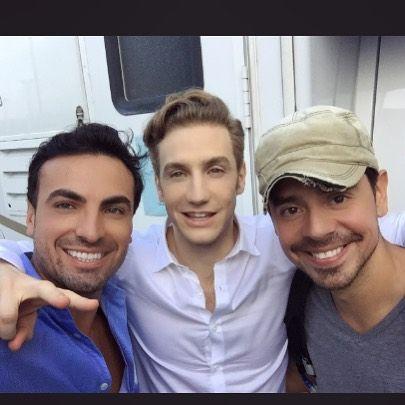 "[Wait, will this be his new character look for ""Quien es Quien?]  Con amigos @eugenio_siller #AlexRuiz"