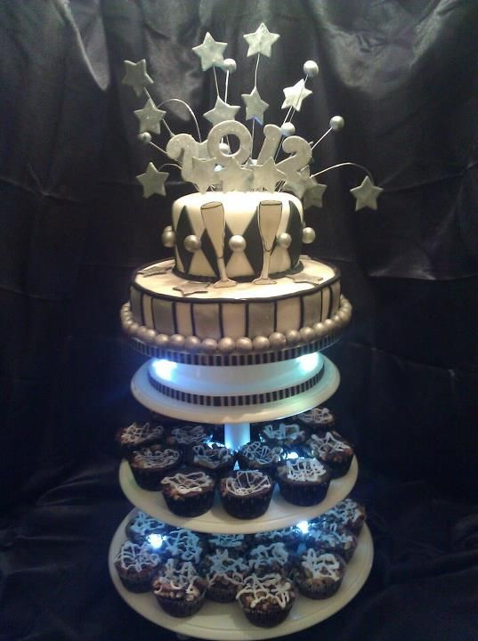 new year cake with brownie cups
