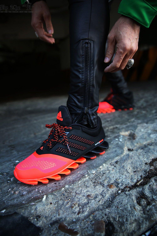 online store 9bb56 3a42a Adidas Springblade C77904