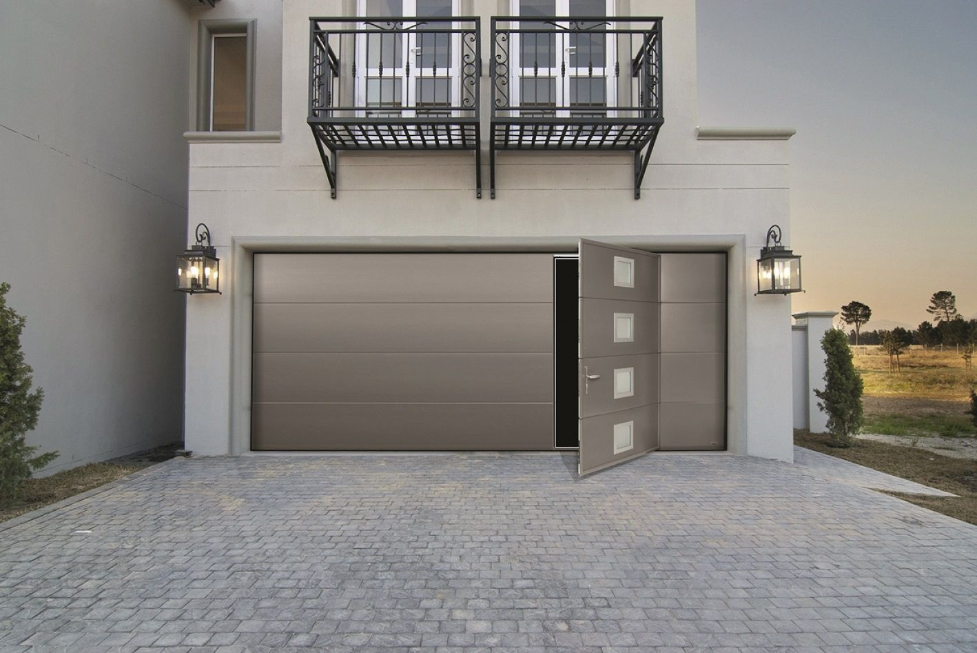 s curit et confort sont au rendez vous avec cette porte de garage sectionnelle ouverture. Black Bedroom Furniture Sets. Home Design Ideas