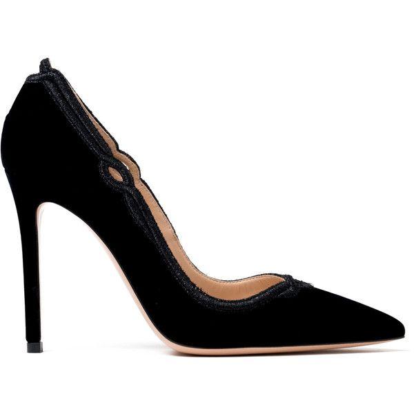 Gianvito Rossi Velvet Pumps ($945) ❤ liked on Polyvore featuring shoes, pumps, kirna zabete, velvet pumps, black pointed toe pumps, stilettos shoes, high heel stilettos and black stiletto pumps