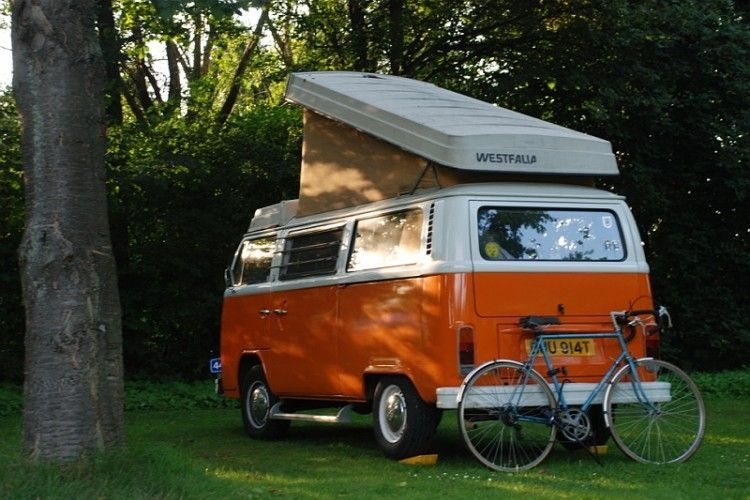 VW Camper Van T2 Pop Up Roof With Bicycle