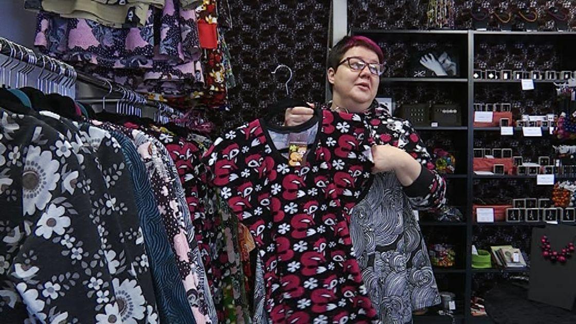 Kotimaiset vaatteet syntyvät nykyään pitkälti pienissä, jopa yhden naisen yrityksissä.