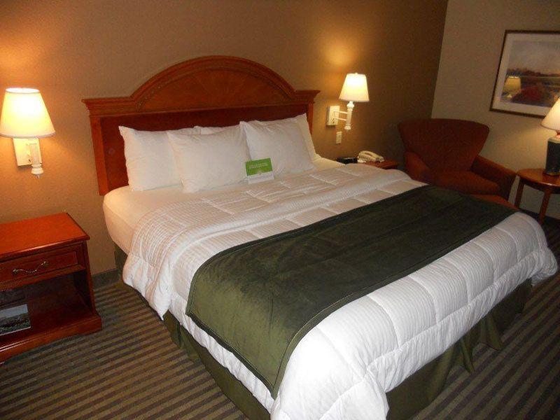 La Quinta Inn  Suites Beaumont West5820 Walden Rd Beaumont, TX