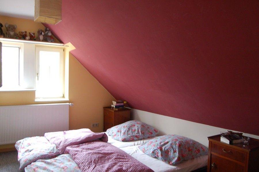 Design Schlafzimmer Mit Dachschr Ge Farblich Gestalten Dekoration