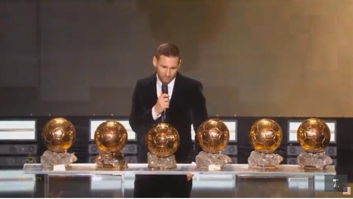 ميسي يتوج رسمي ا بجائزة الكرة الذهبية