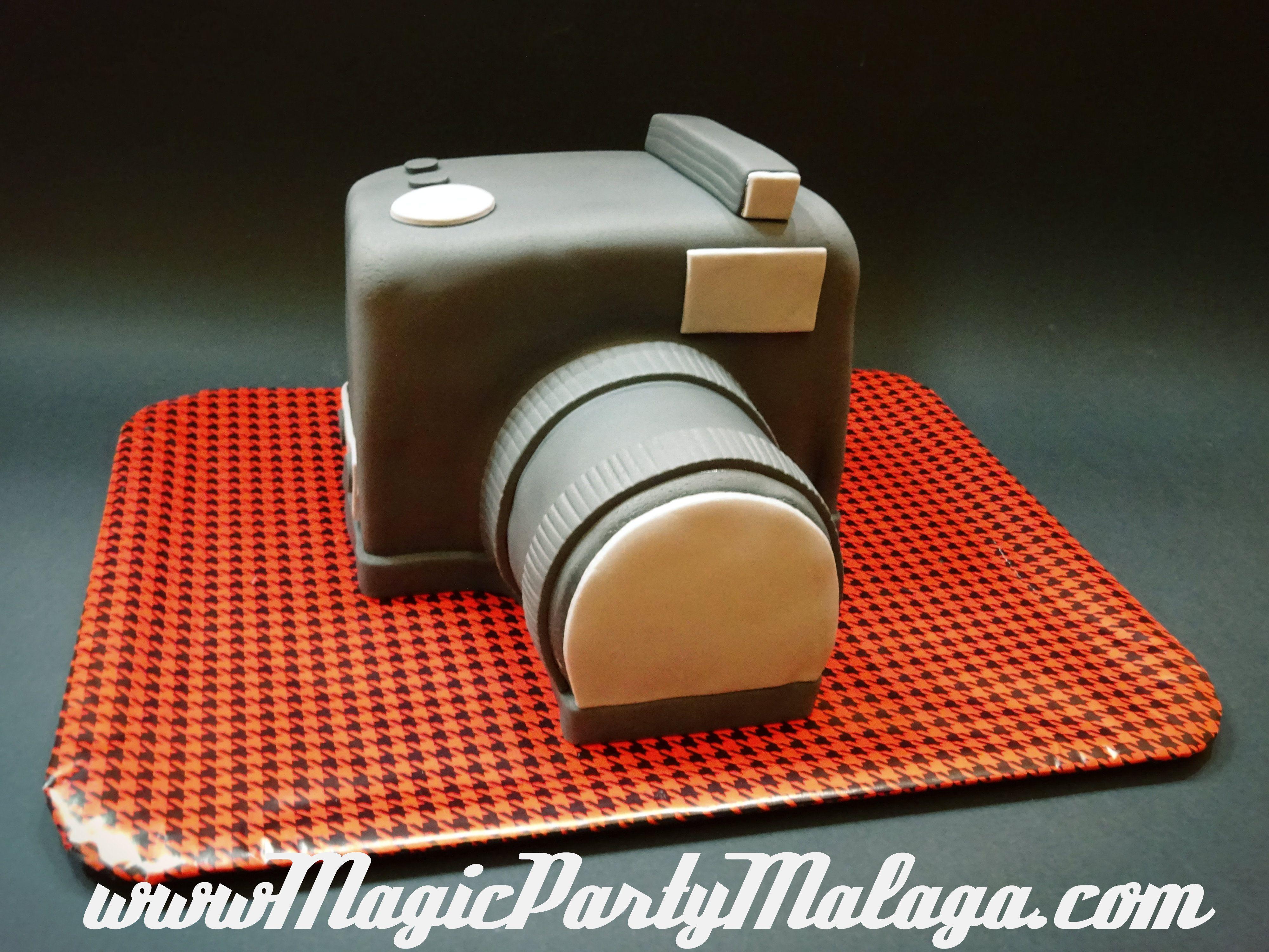 Tarta camara de fotos - Vintage Camera Cake