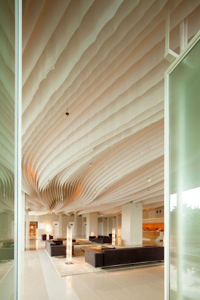 Hilton pattaya lobby bar and linkage spaces dept of for Piattaia design