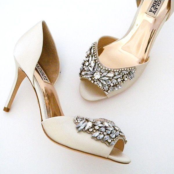 Amazing Badgley Mischka Wedding Shoes A glamorous bridal shoe with a deco vibe Gorgeous beading