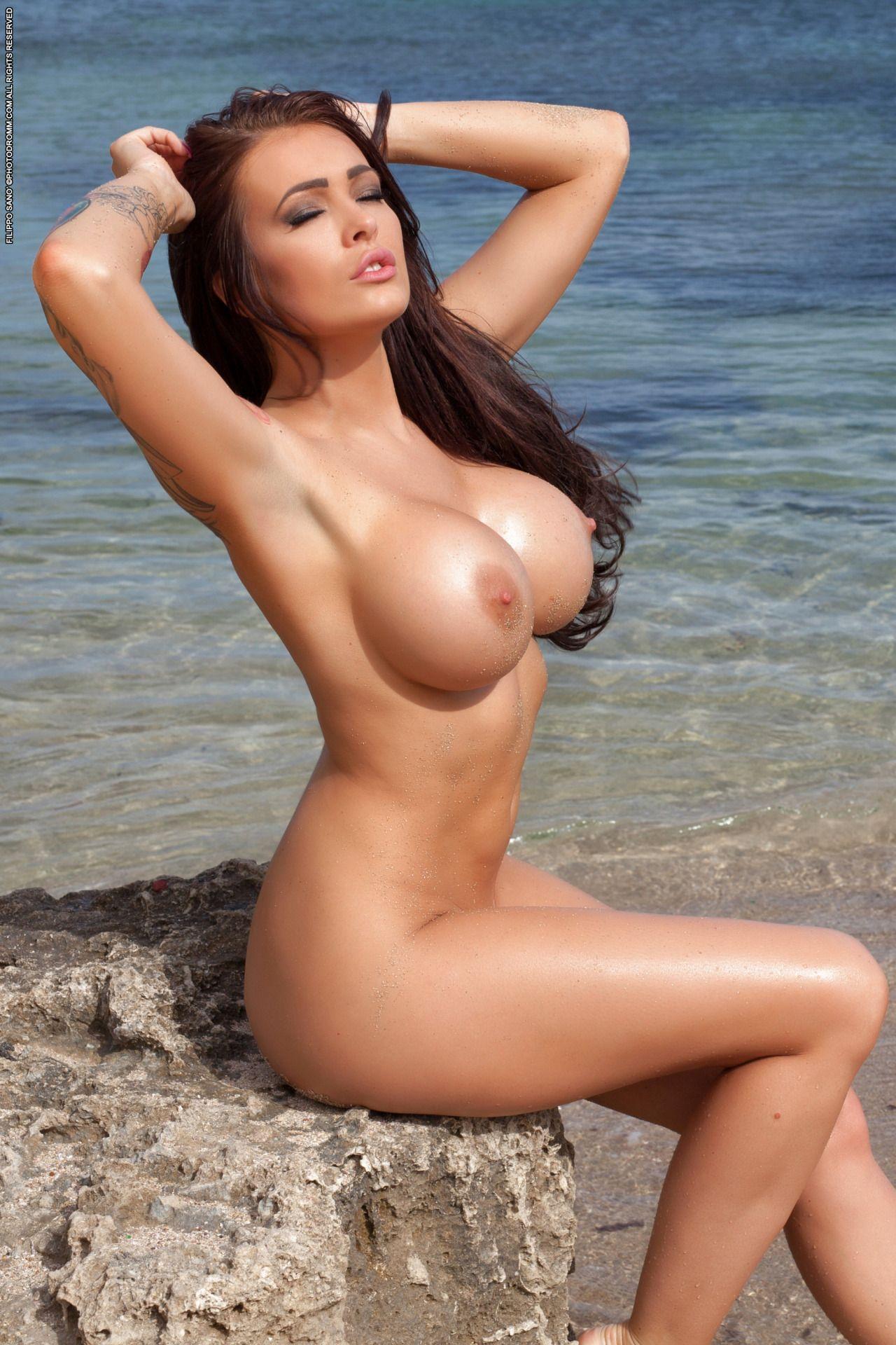 lucky-cute-nude-girl
