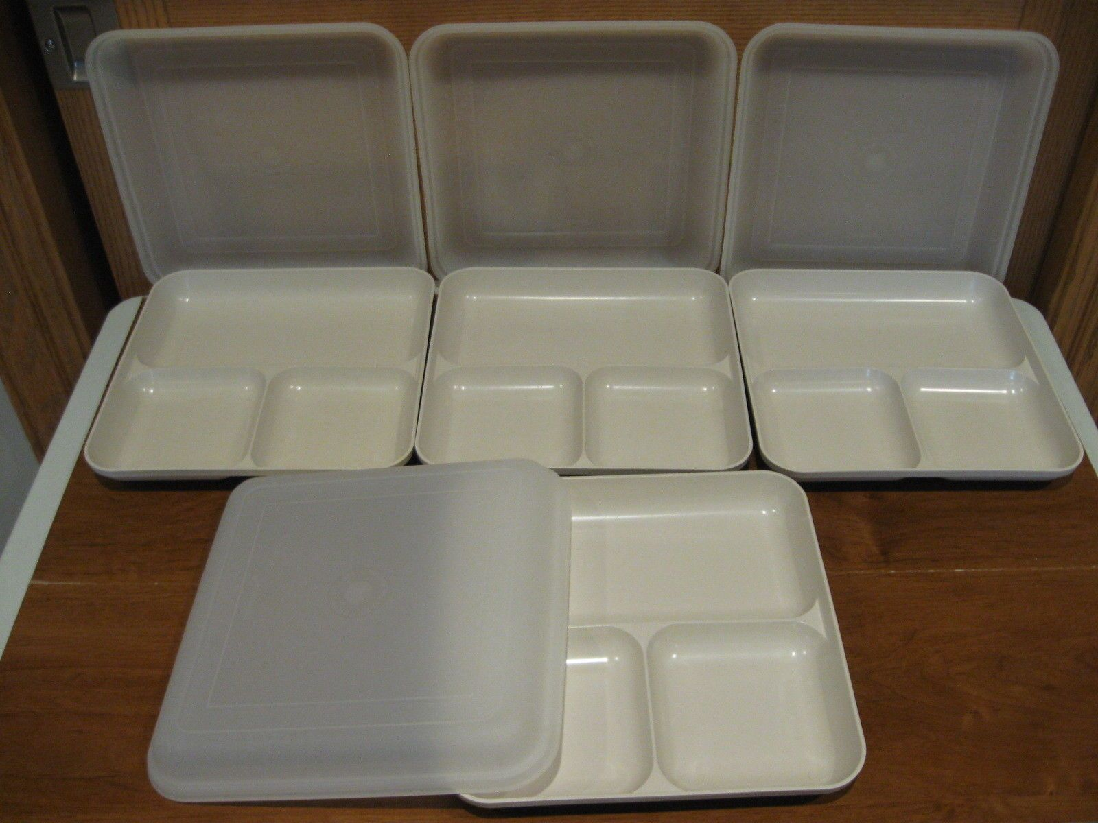 Tupperware 4 Ultra 21 Divide-a-dish 3 Section Square Plates W/sheer & Tupperware 4 Ultra 21 Divide-a-dish 3 Section Square Plates W/sheer ...