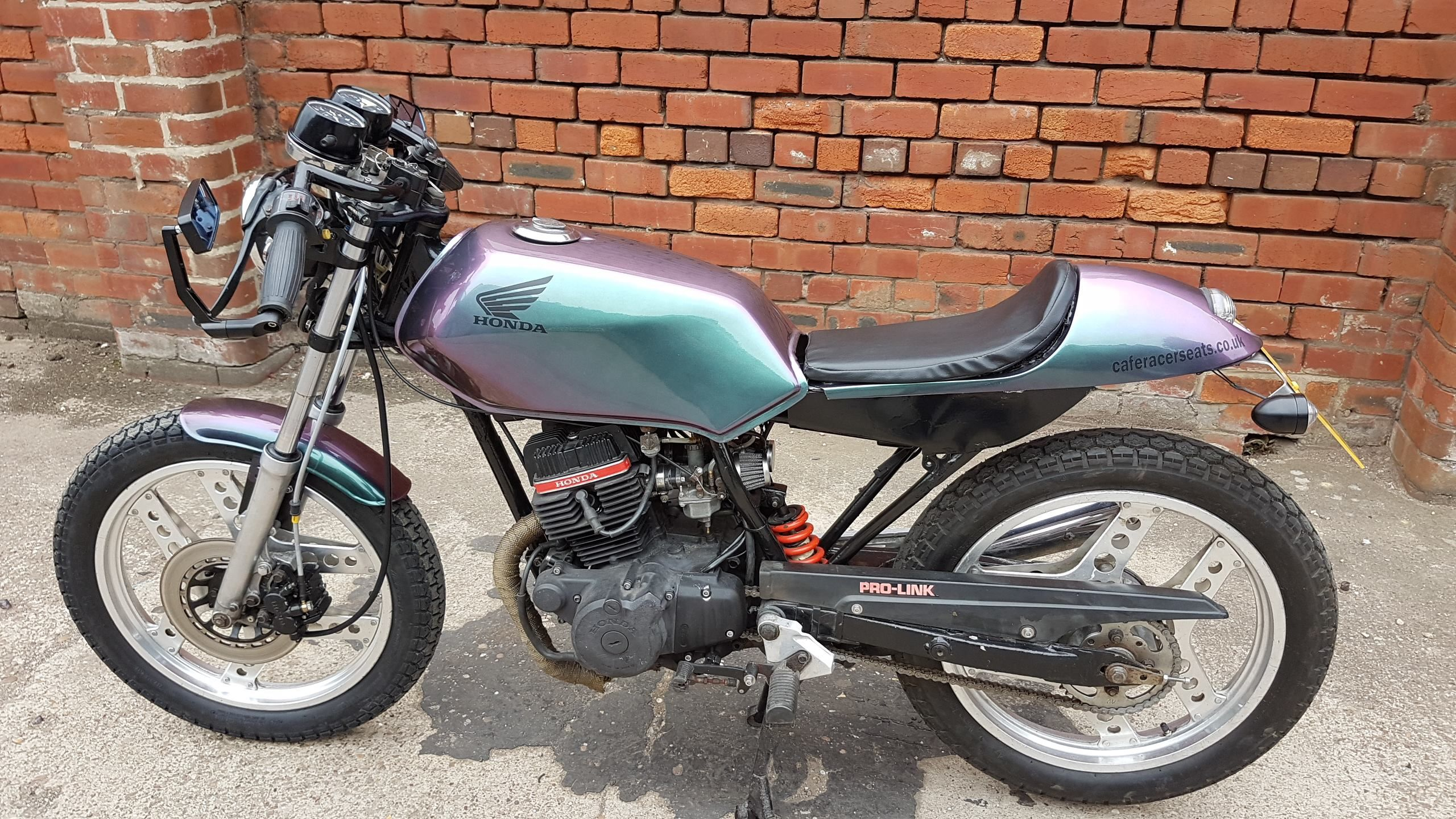 honda cb125 superdream cafe racer finished in flip paint by complete cafe racer [ 2560 x 1440 Pixel ]