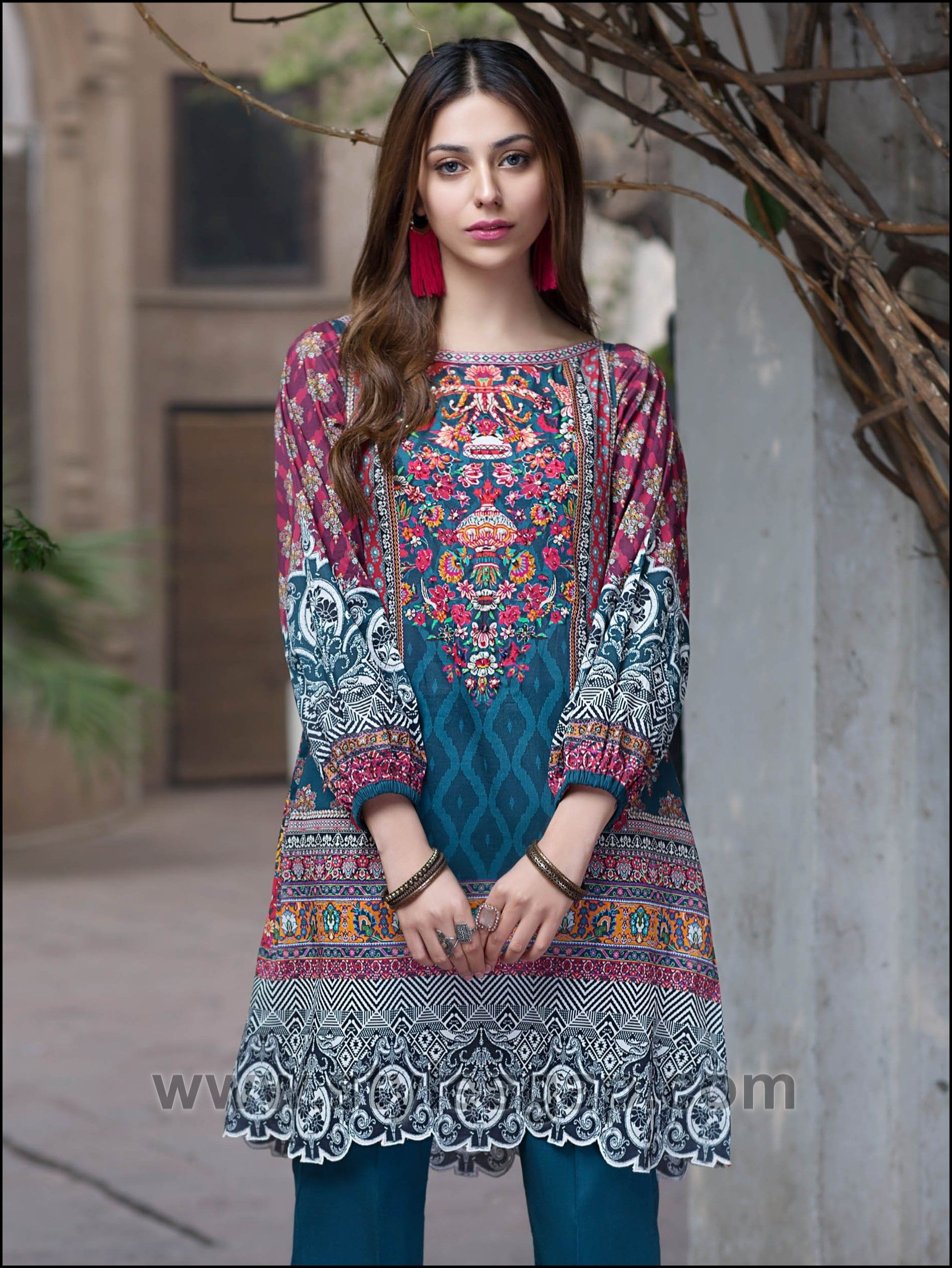 Best Latest Summer Lawn Kurta Designs Stitching Styles 400 x 300