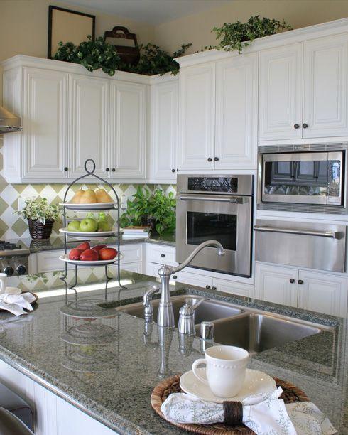 Green Kitchen Countertops: Interior Design To Admire