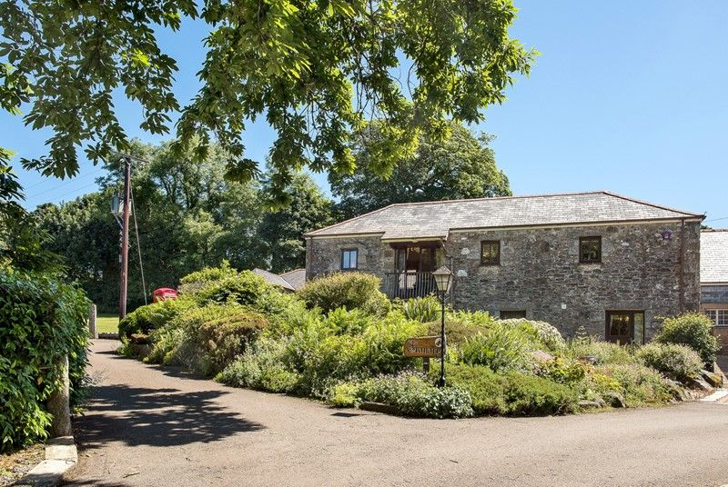 Welcome To Polwrath Granary Sleeping 8 Dog Friendly Cornwall Cottage Country Roads