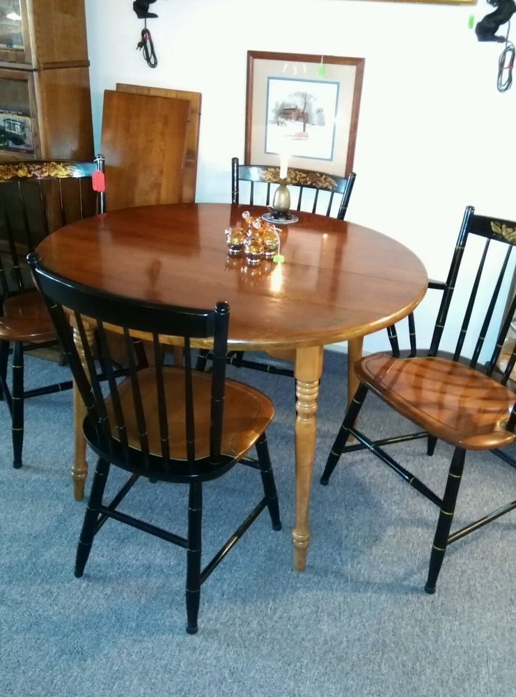 Hitchcock Furniture Dining Table With 2 Leaves And 4 Chairs Ebay