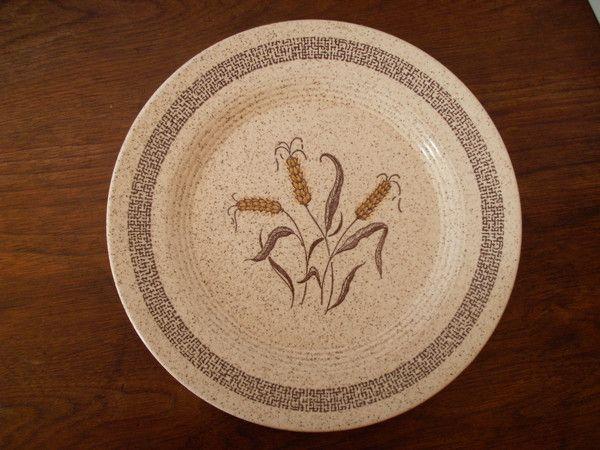 Homer Laughlin H-83 Wheat Dinner Plate
