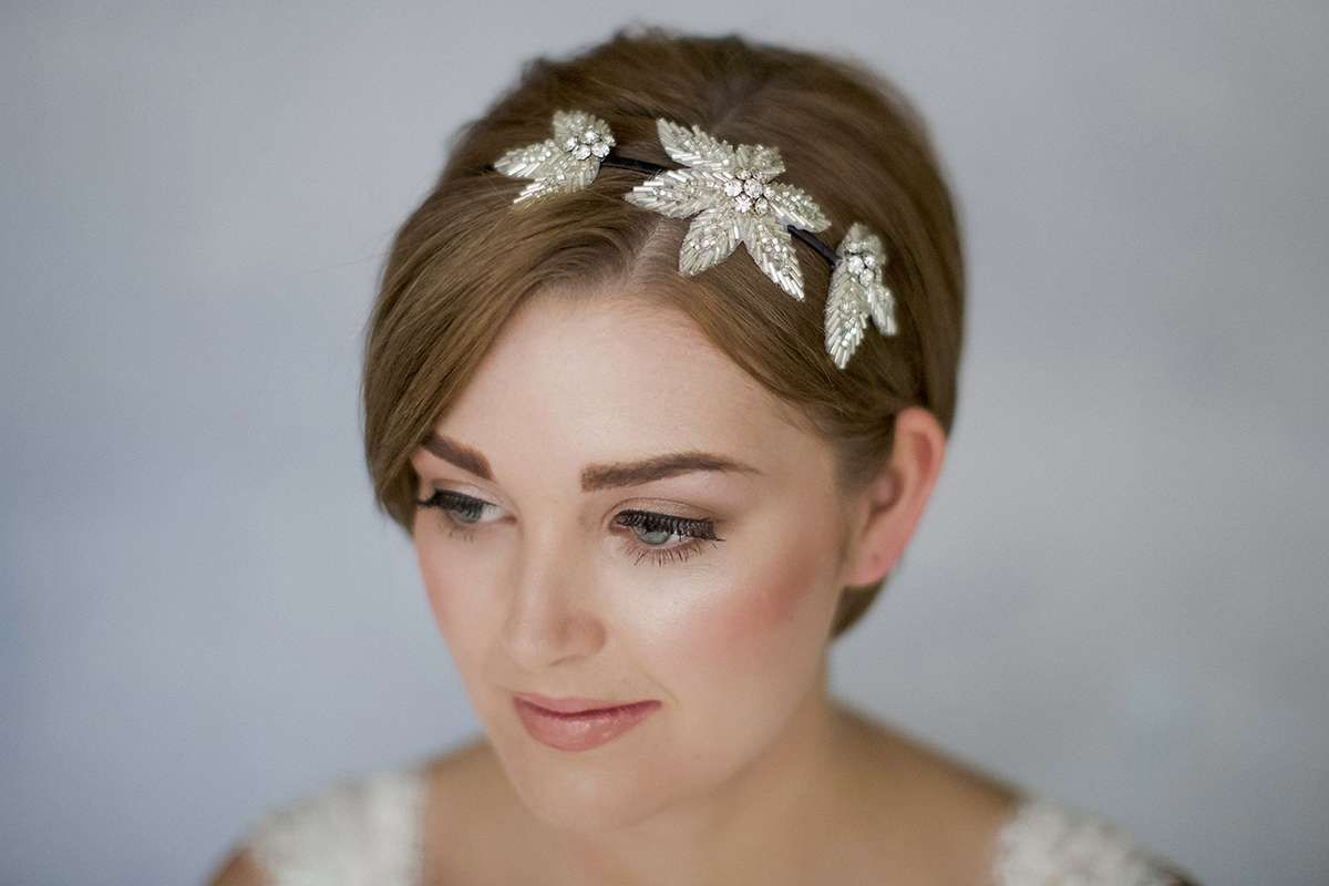 How To Style Wedding Hair Accessories With Short Hair Short Wedding Hair Short Hair Accessories Pixie Wedding Hair