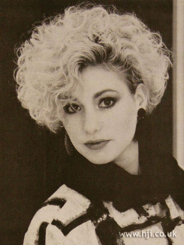 1984 Blonde Short Hairstyle Short Permed Teased Wild Hair