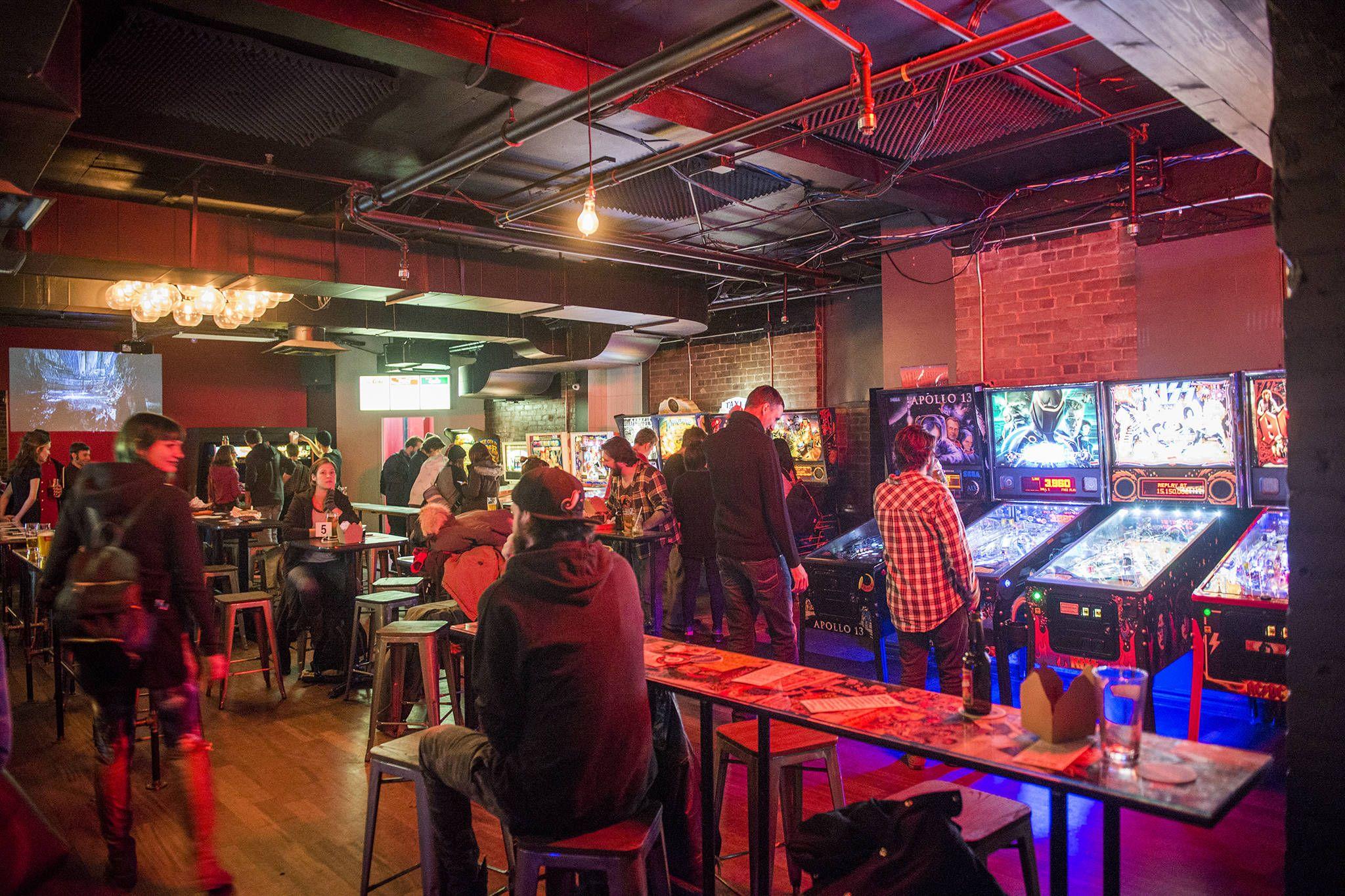 restaurants video games toronto Game cafe, Retro arcade