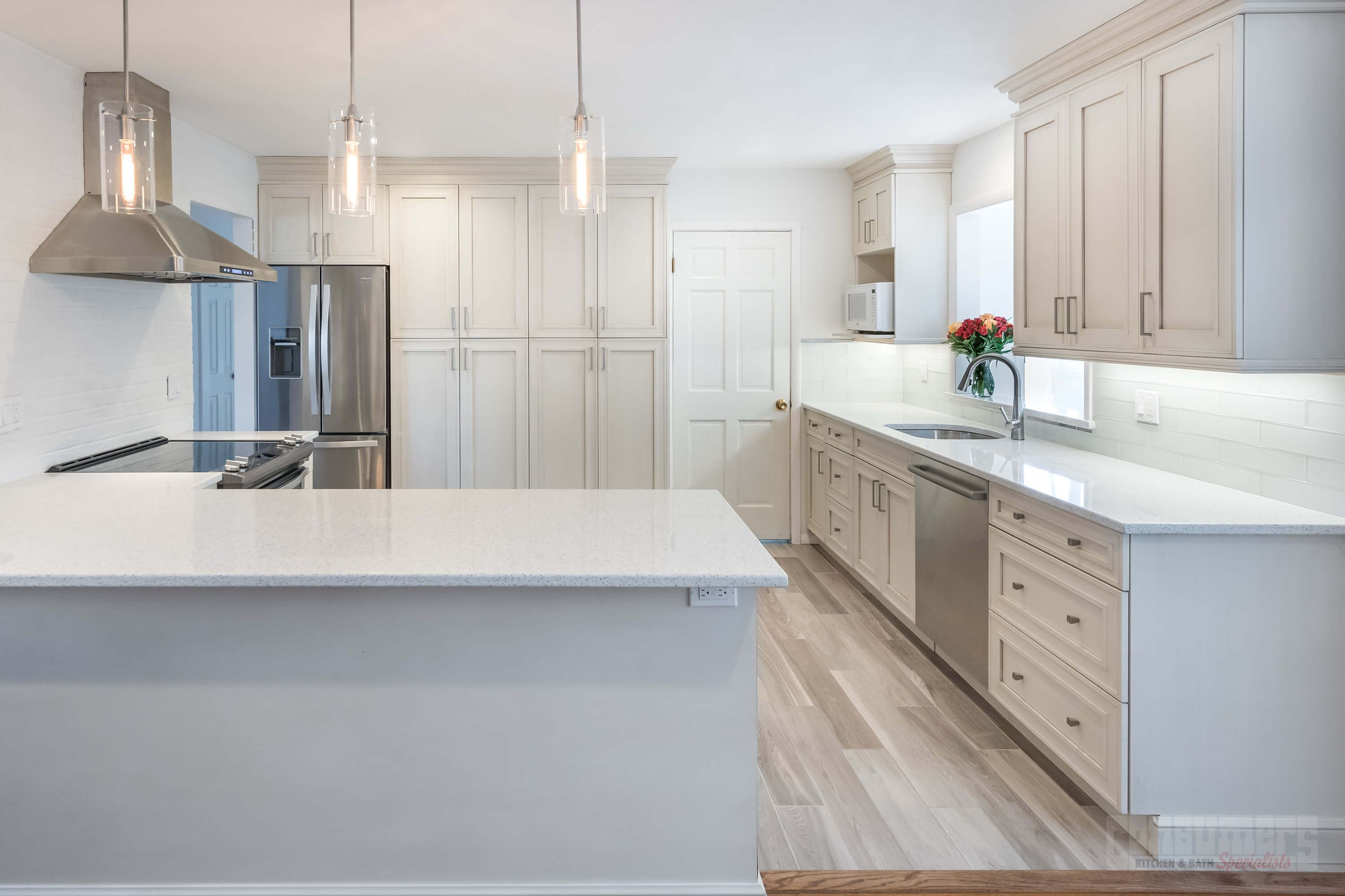 Pin By Kendra Stringham On Commack Crystal Lake Free Kitchen Design Kitchen Cabinets Direct Online Kitchen Cabinets