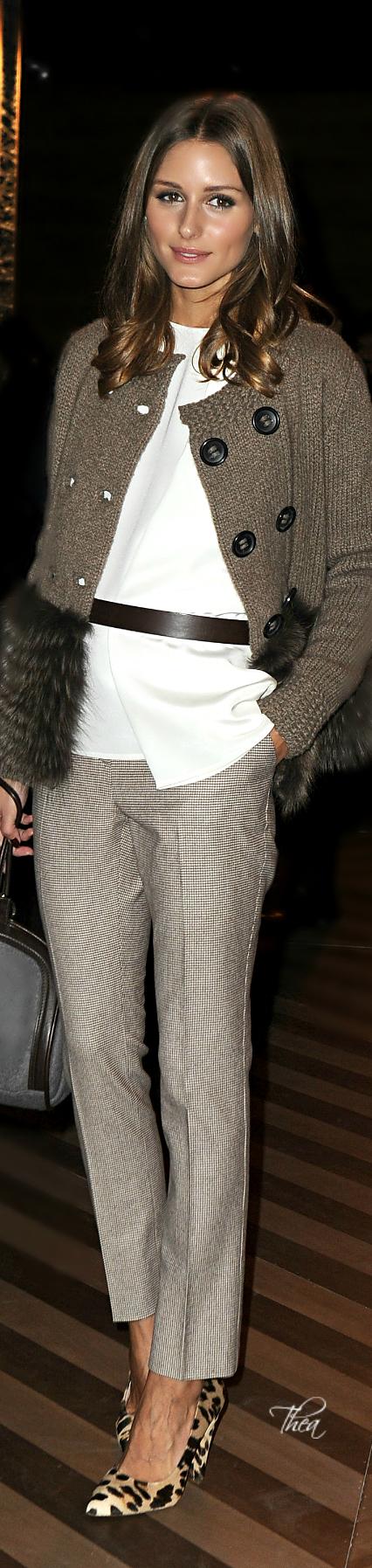 Casual chic. Olivia Palerno via @theatoria, #whiteshirt #OliviaPalerno