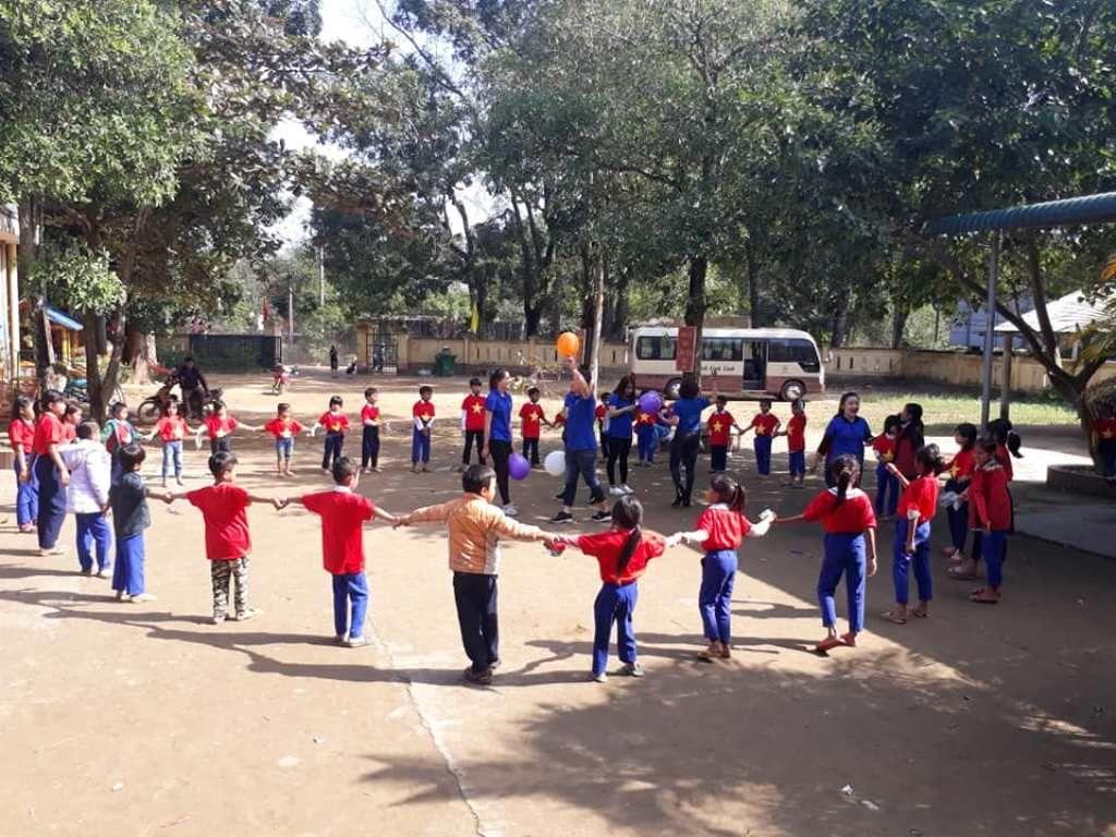 Áo cờ đỏ sao vàng trường tiểu học Vĩnh Thủy - Hình 3
