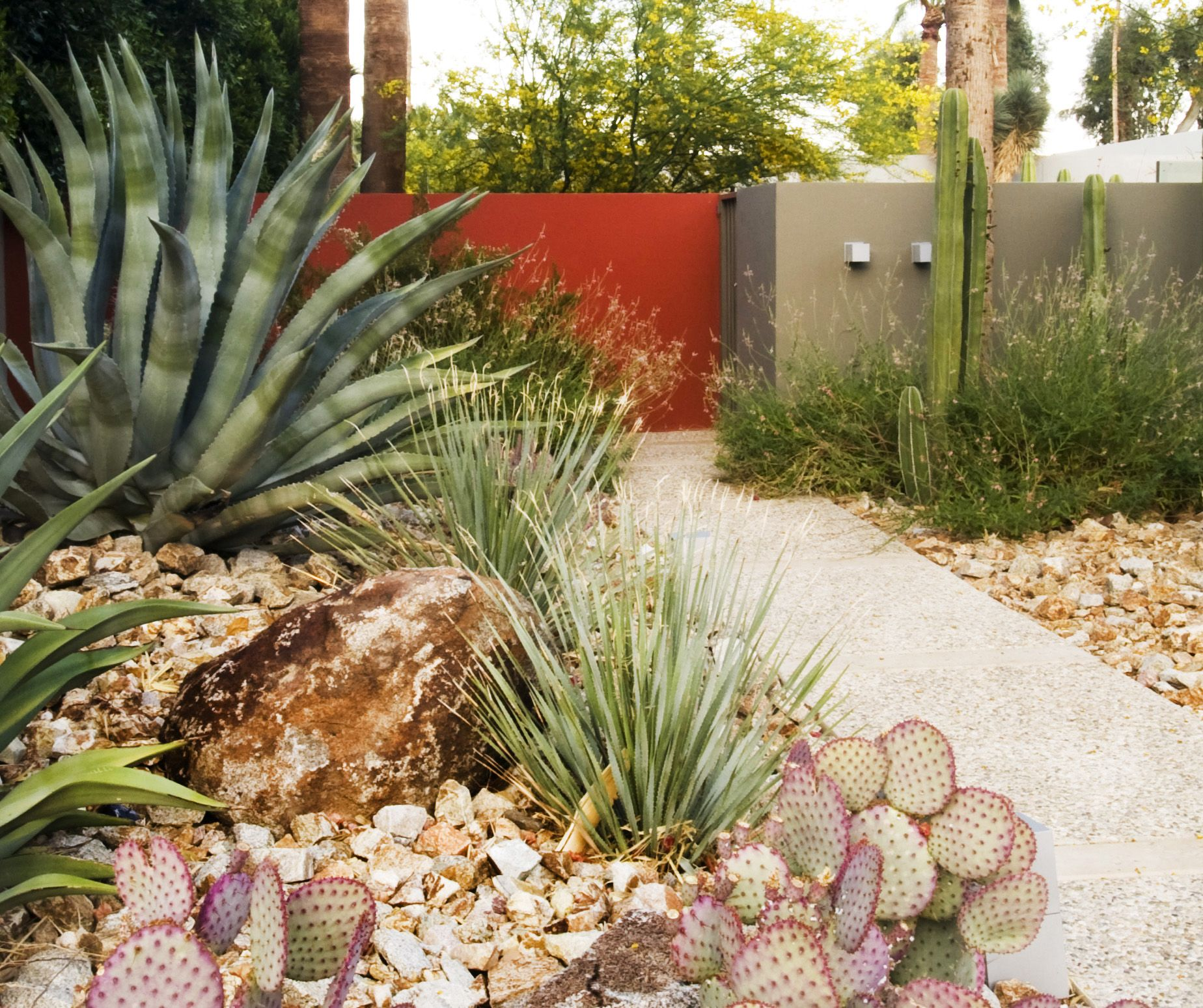 Spotlight On Palm Springs Style Outdoor Areas: Steve Martino Landscape Architect Palm Springs Entryway
