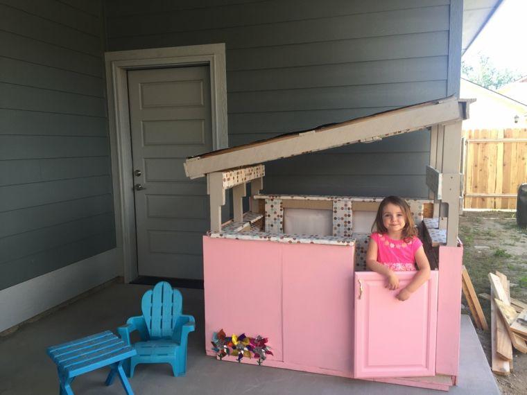 pequeña casita Bricomanía Pinterest Jardín para niños, Casitas