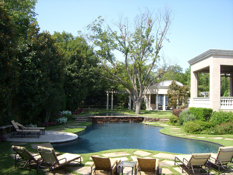Outdoor Escape Designed By Harold Leidner Landscape Architects Http Www Haroldleidner Com Outd Luxury Landscaping Landscape Architect Modern Landscaping