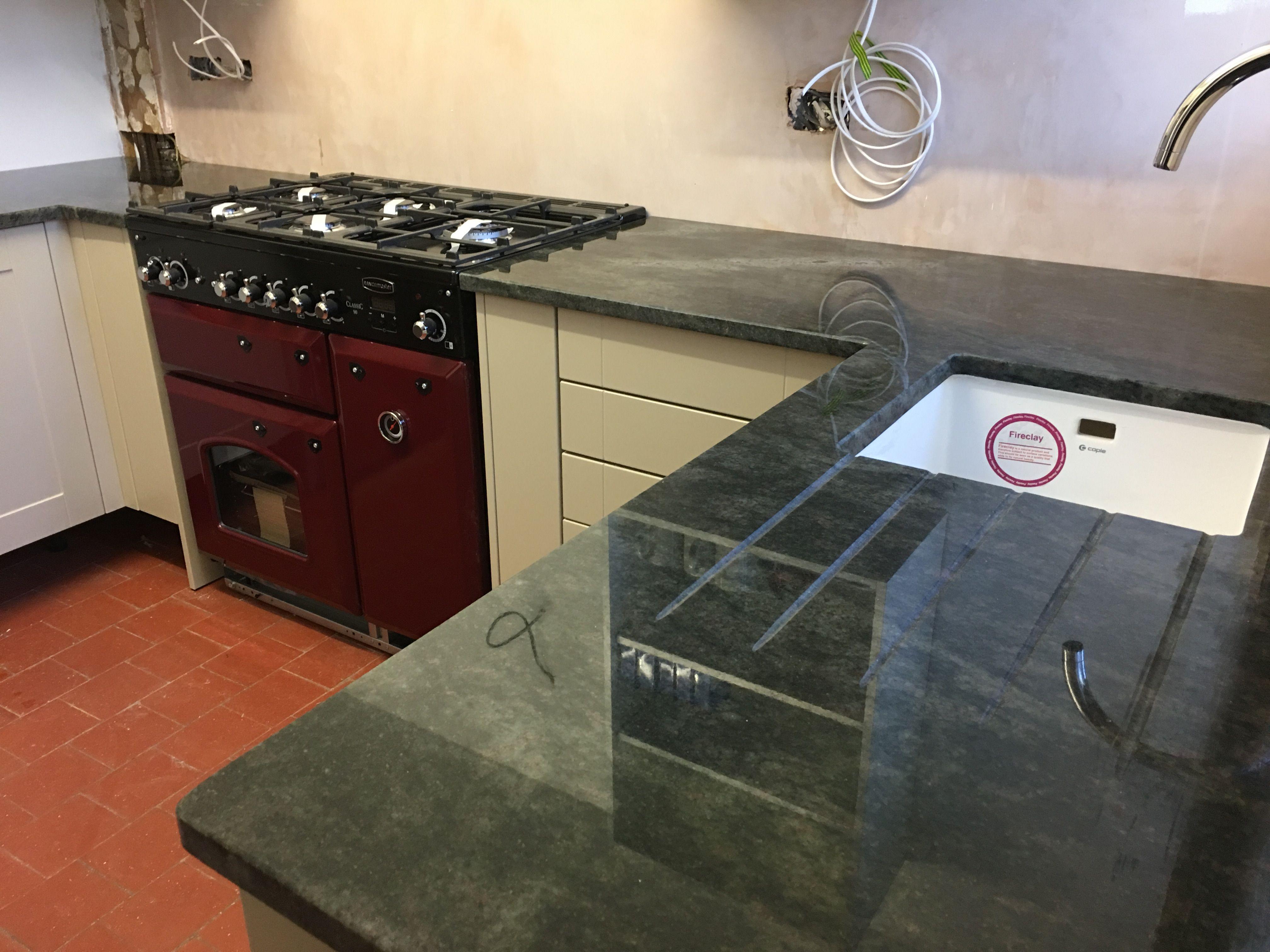 Kerala Green Granite Worktop On A Bowden S Kitchen Kitchen  # Muebles Ricaldi