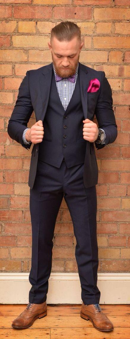 este traje es muy formal. Yo pienso llevar un traje en baile. Yo llevo los…