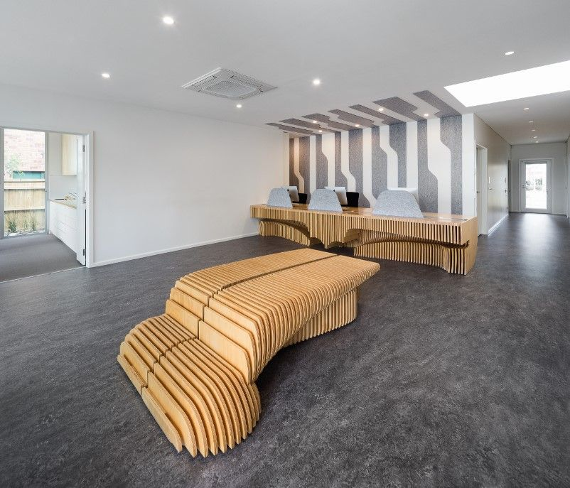 Architect Fiona Dunin Brings To You An Architectural Marvel That Oozes With A Functional Yet Sculptural Outlook Surgeons Room Room Architect Reception Areas