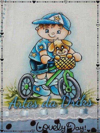 Menino de bicicleta
