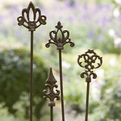Pflanzenstabe Bavans Aus Gusseisen 4er Set Beleuchtung Decke Gusseisen Garten Deko