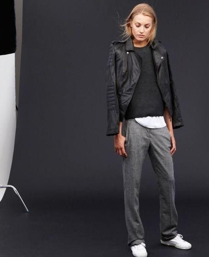 graue jogginghose zum pullover und leder jacke kombinieren