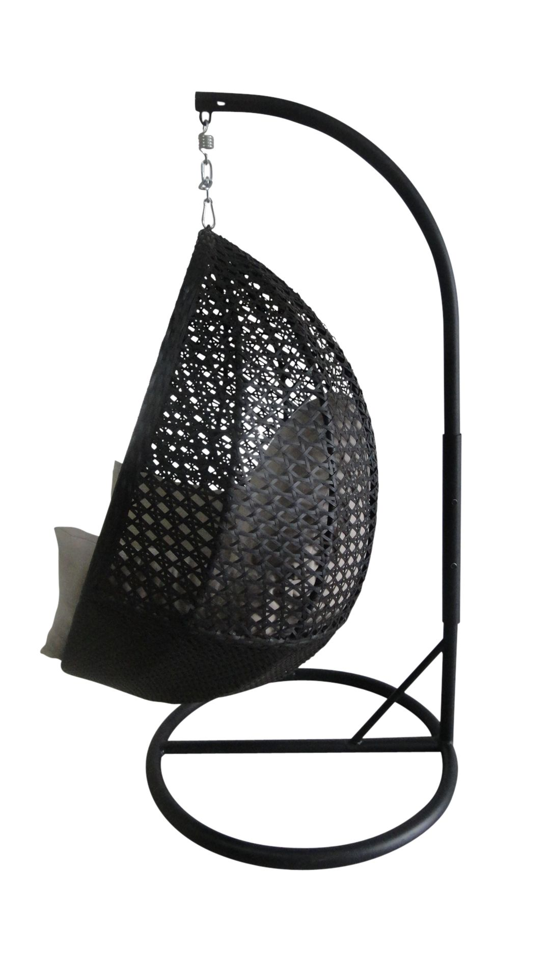 Appealing hanging egg chair in black with black iron base
