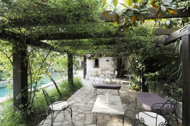 La Pergola Bois Une Excellente Idee Pour L Ete French Country House Pergola Designs Outdoor Decor