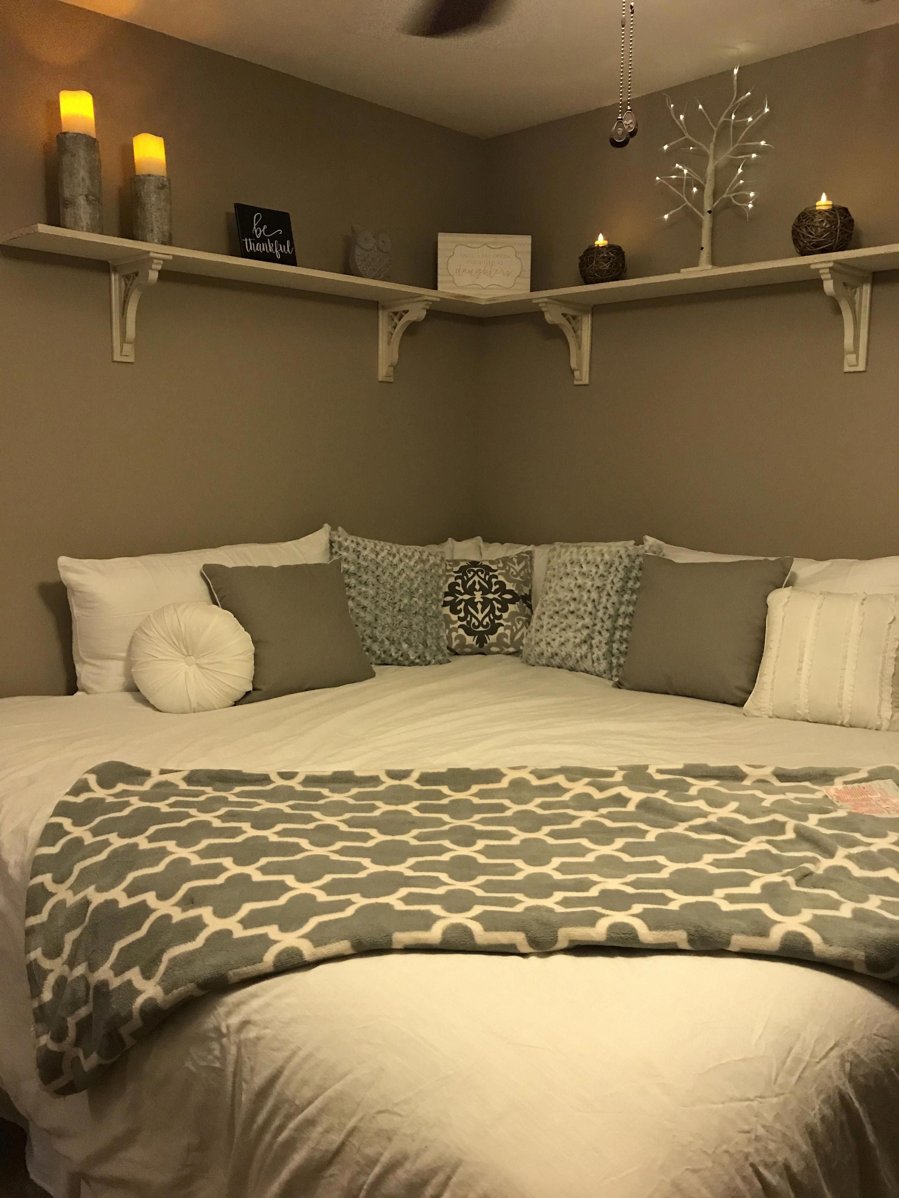 Find Out Even More Details On Bunk Bed Ideas For Teens Visit Our Internet Site Bunkbedideasforteens In 2020 Small Room Bedroom Bedroom Layouts Remodel Bedroom