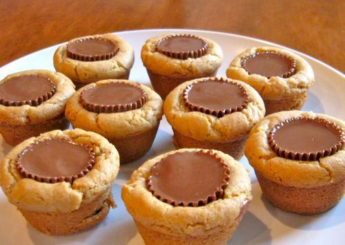 Top Christmas Cookies of the Year Peanut butter cup cookies