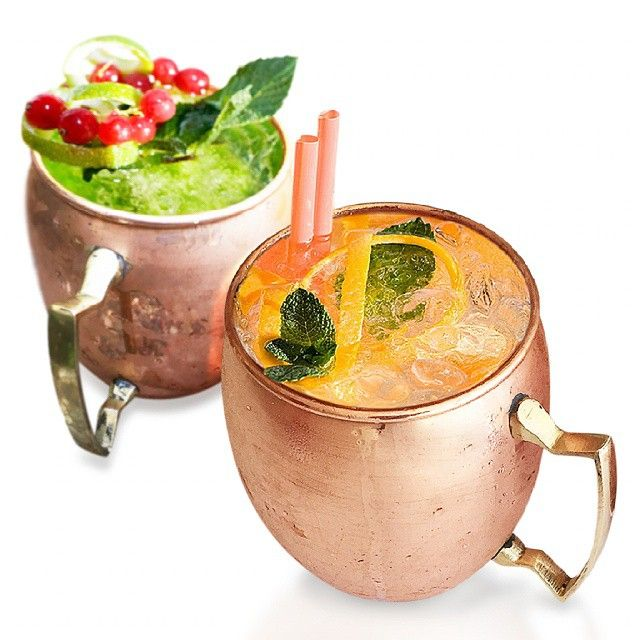 Enjoy your chilled cocktails this supper with style.. #coppermugs #moscowmule #amazon  Buy is on @amazon click our profile link http://amzn.to/1EFlP8J
