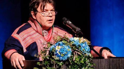 The former President of the Sámi Parliament in Finland has resigned from the indigenous people's voter register to protest a decision by the Supreme Administrative Court to effectively define 93 people as Sámi, giving them the right to vote in upcoming Sámi Parliament elections. Klemetti Näkkäläjärvi reacted to the court's decision by saying that Finland is a racist country that protects the interests of Finns and the Finnish state and tramples on indigenous rights.