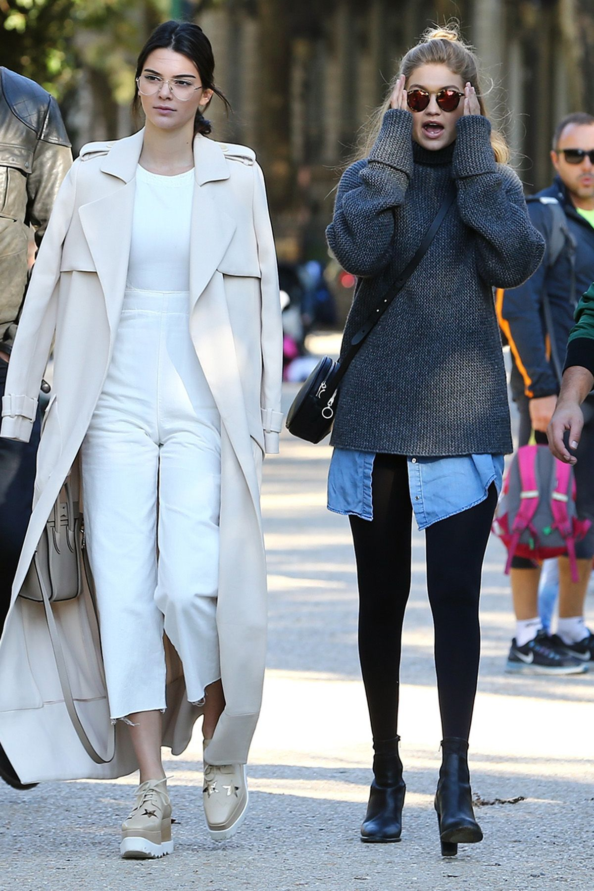 8f902370c2 Kendall Jenner & Gigi Hadid | Models off duty | Kendall jenner gigi ...