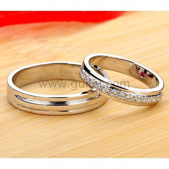 Matching Diamond Engagement Rings For Couples With Custom
