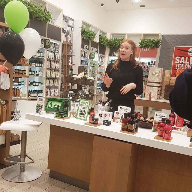 I particularly love the eye cream tip to stop your makeup going cakes! Thanks again to @addictedtobeauty #Thebodyshop event last night! #livbloggers #livblogsquad #bblogger #beauty #vegan #strawberry #dropsofyouth #liverpoolbloggers
