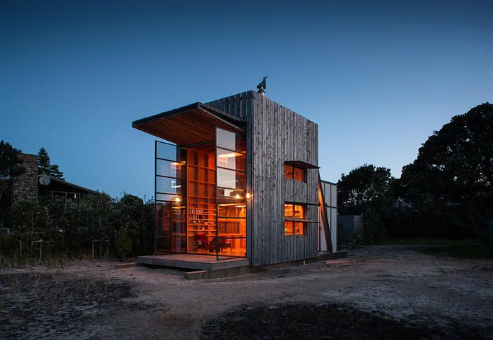 A cottage on the beach in New Zealand / Un cottage sulla spiaggia in Nuova Zelanda
