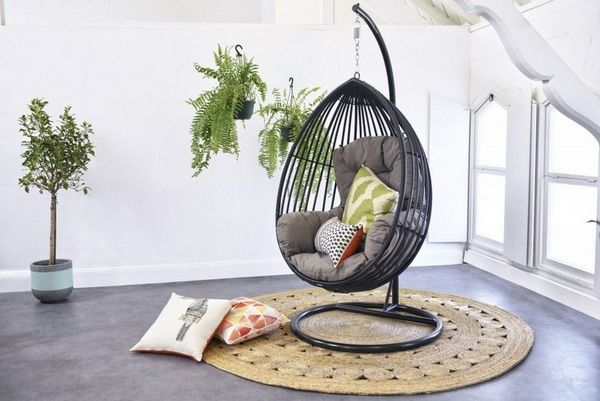 Superbe Hanging Chair Frame Inside Black Metal Teardrop Comfortable Seat Cushion