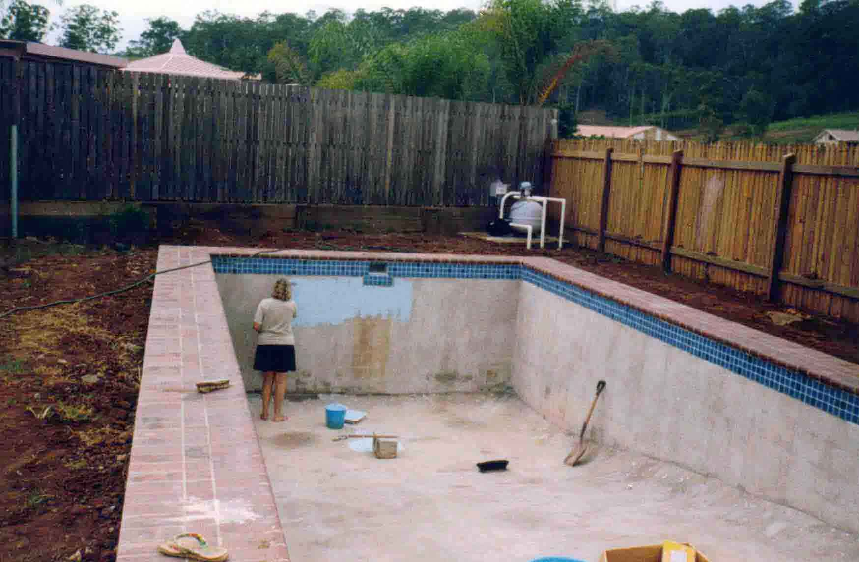 Building a cement block pool after the concrete is - Cinder block swimming pool construction ...