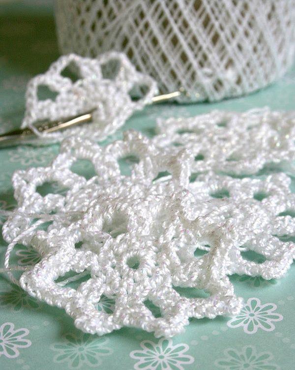 Seven Alive Easy Crochet Snowflake Pattern Crochet Pinterest